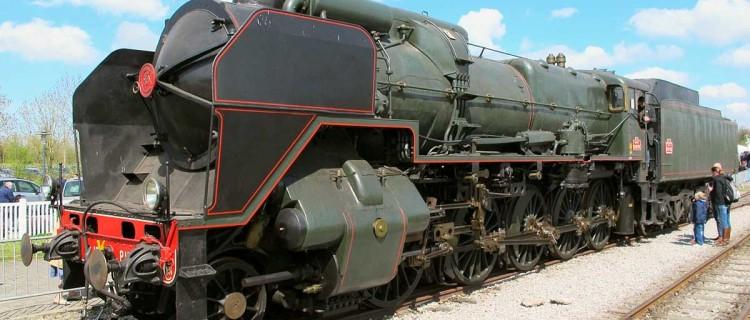 Photographie d'une 150 P 13 à Noyelles. Celle de Charleville-Mézières s'apprête à sortir de la réserve pour une exposition.