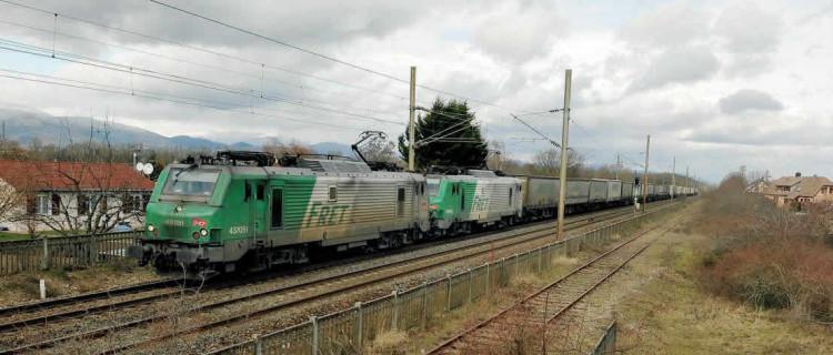 Convoi Ambrogio tiré par les BB 37051 et 37058 en UM à Wittelsheim, dans le Haut-Rhin (mars 2016). (c) SYLVAIN MEILLASSON