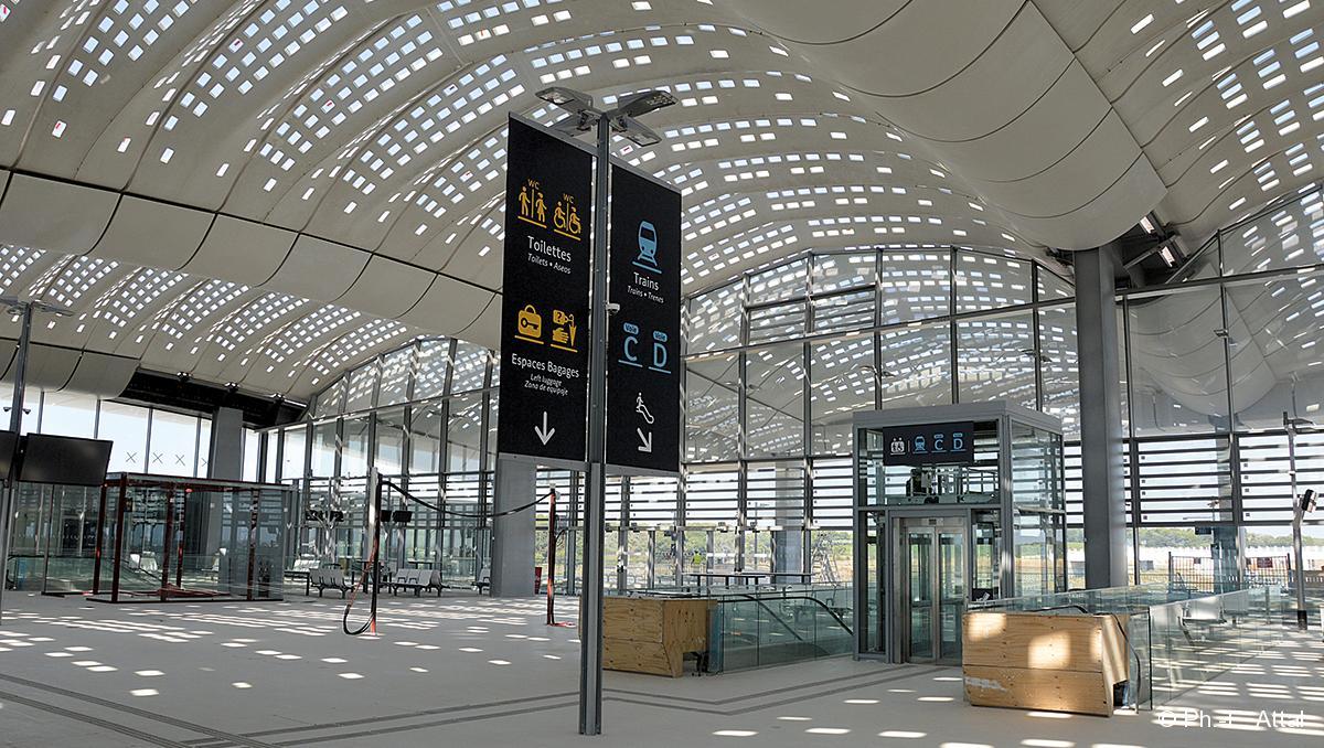 La gare tgv montpellier sud de france pr te pour ses - La compagnie des comptoirs montpellier ...