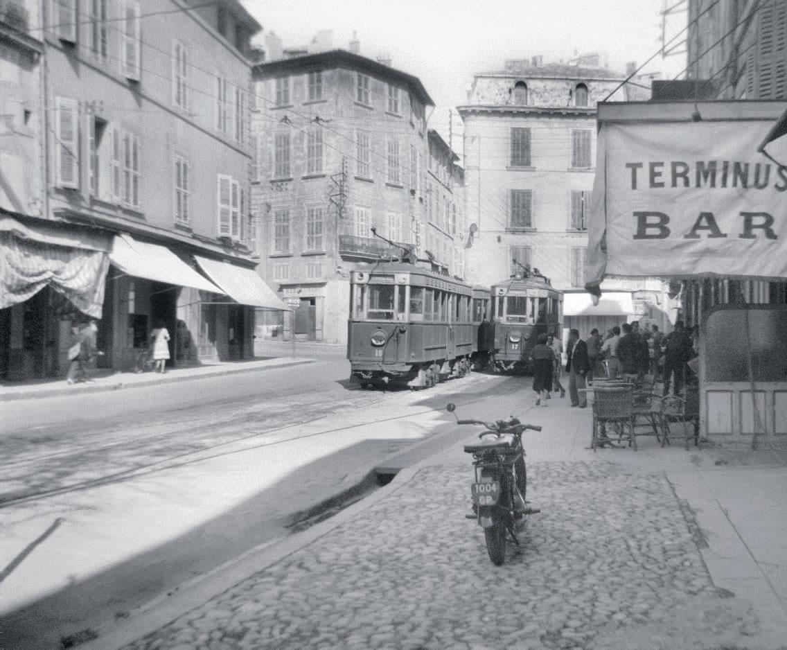 Tramways cours Mirabeau d'Aix