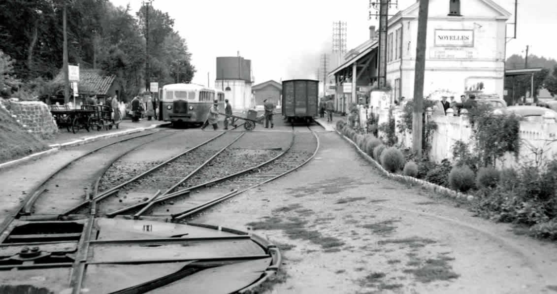 Autorail 1956 en gare de Noyelles