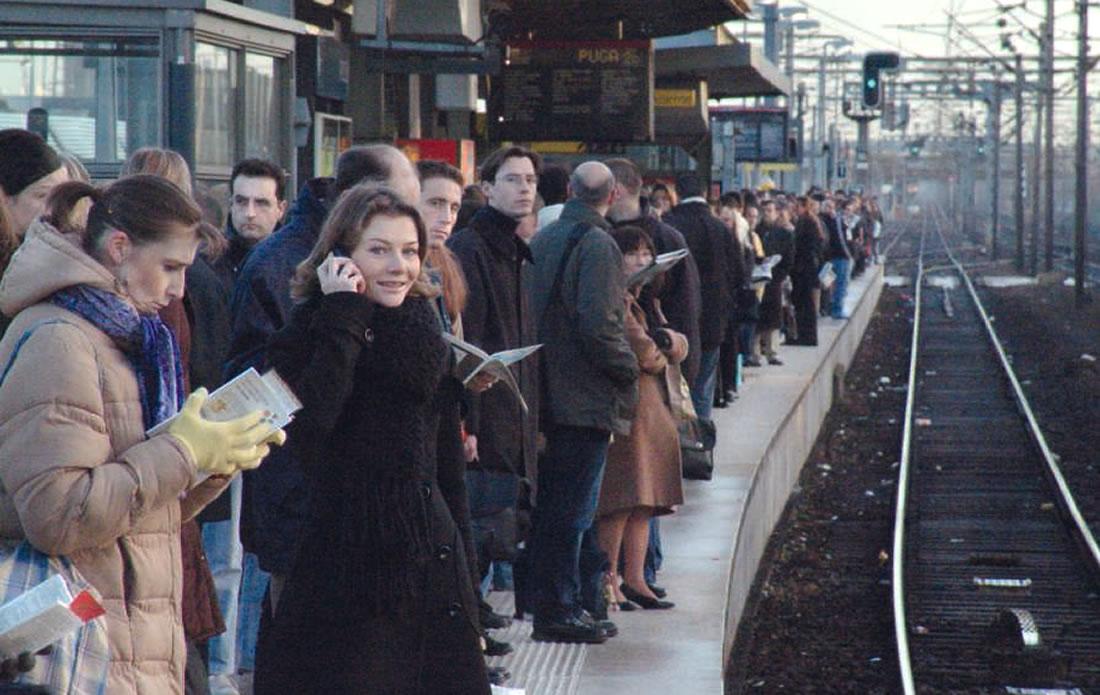 Même si beaucoup avaient anticipé, les voyageurs ont parfois dû patienter sur les quais pour attendre leur train Christian BESNARD/PHOTORAIL LA VIE DU RAIL