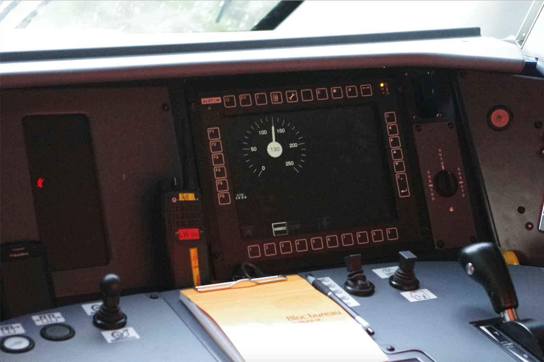 Ecran ERTMS sur le pupitre d'une rame Regio 2N @P. Laval