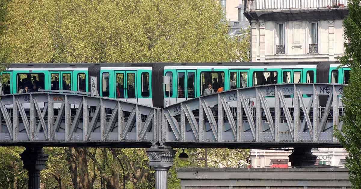 Métro aérien Paris