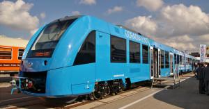 Essais statiques et dynamiques pour le Coradia iLint sur la voie contournant le site Alstom de Salzgitter. Jusqu'à 60 éléments pourraient être commandés dans quatre Länder : Basse-Saxe, Rhénanie-du-Nord- Westphalie, Bade-Wurtemberg et Hesse.