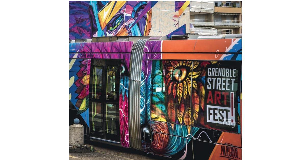 grenoble deux tramways redor s par les artistes du street art fest lettre du cheminot. Black Bedroom Furniture Sets. Home Design Ideas