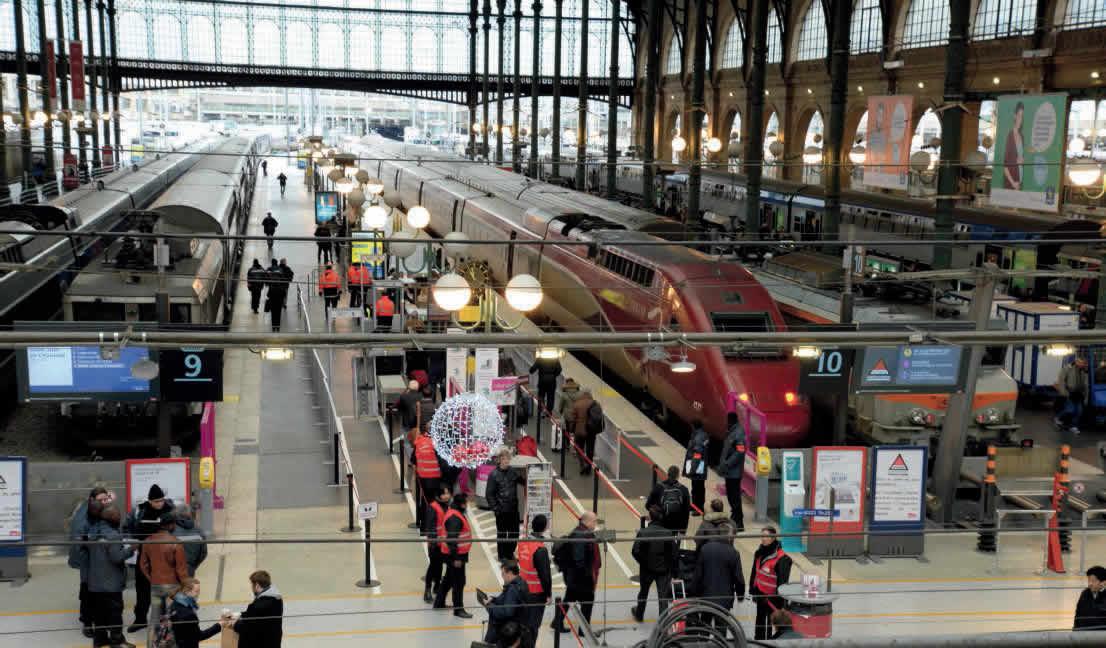 Système antiterrorisme en gare de Paris-Nord avec portiques pour les accès aux Thalys (11 janvier 2016).  (c) MARC CARÉMANTRANT