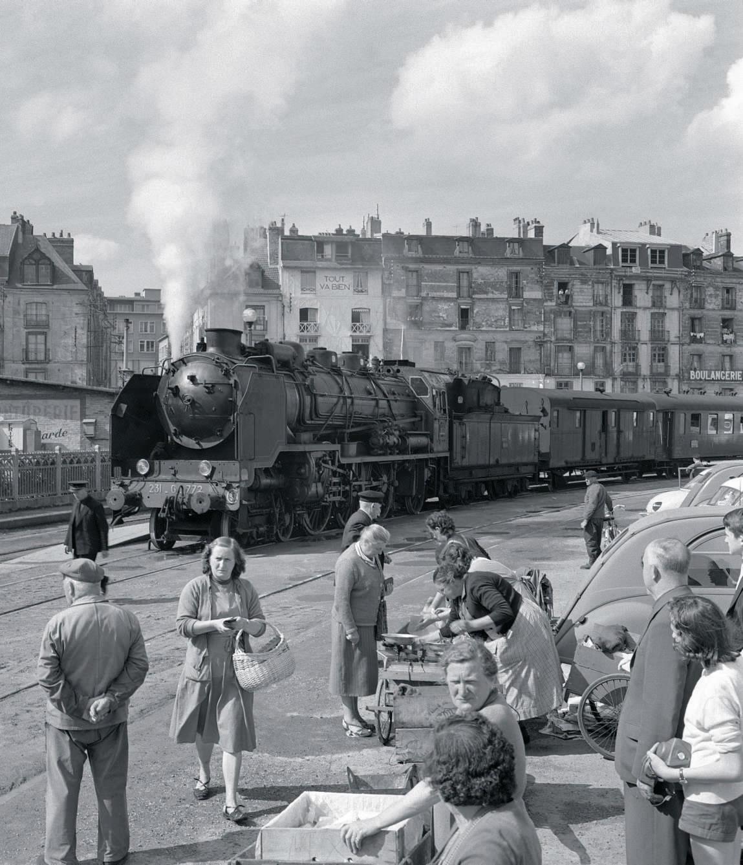 Loco vapeur train 62 pour Paris au départ