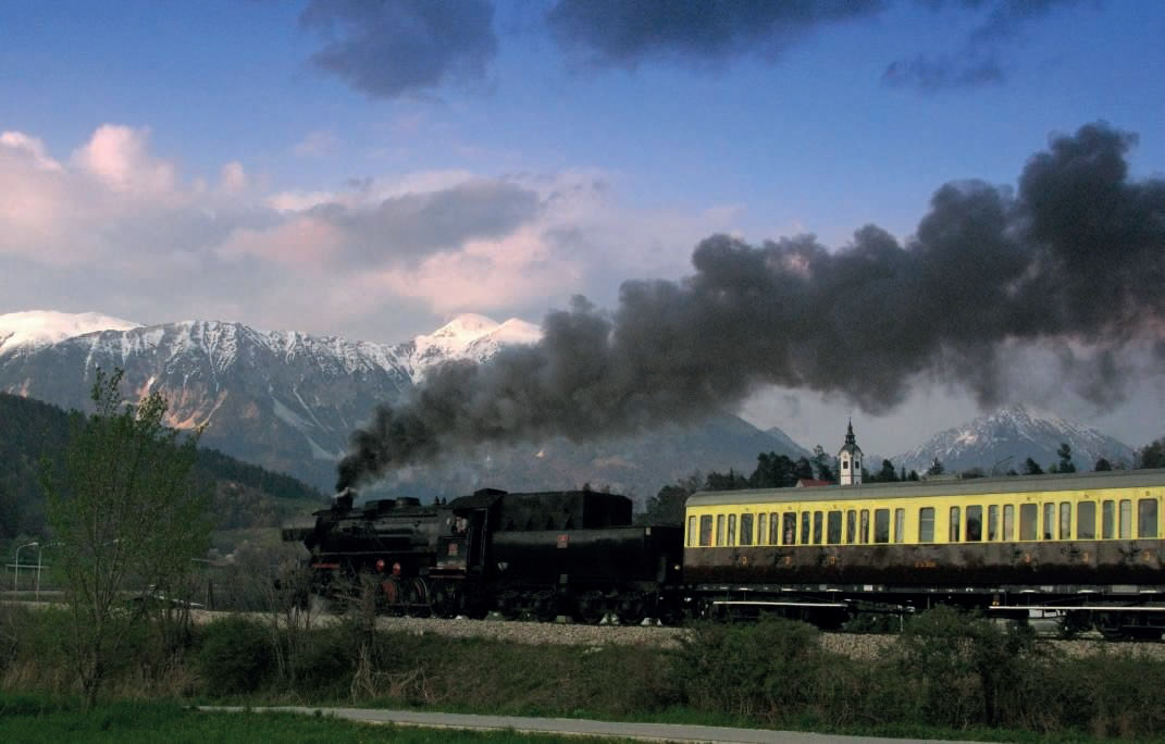 Le train à vapeur touristique de la ligne de Bohinj
