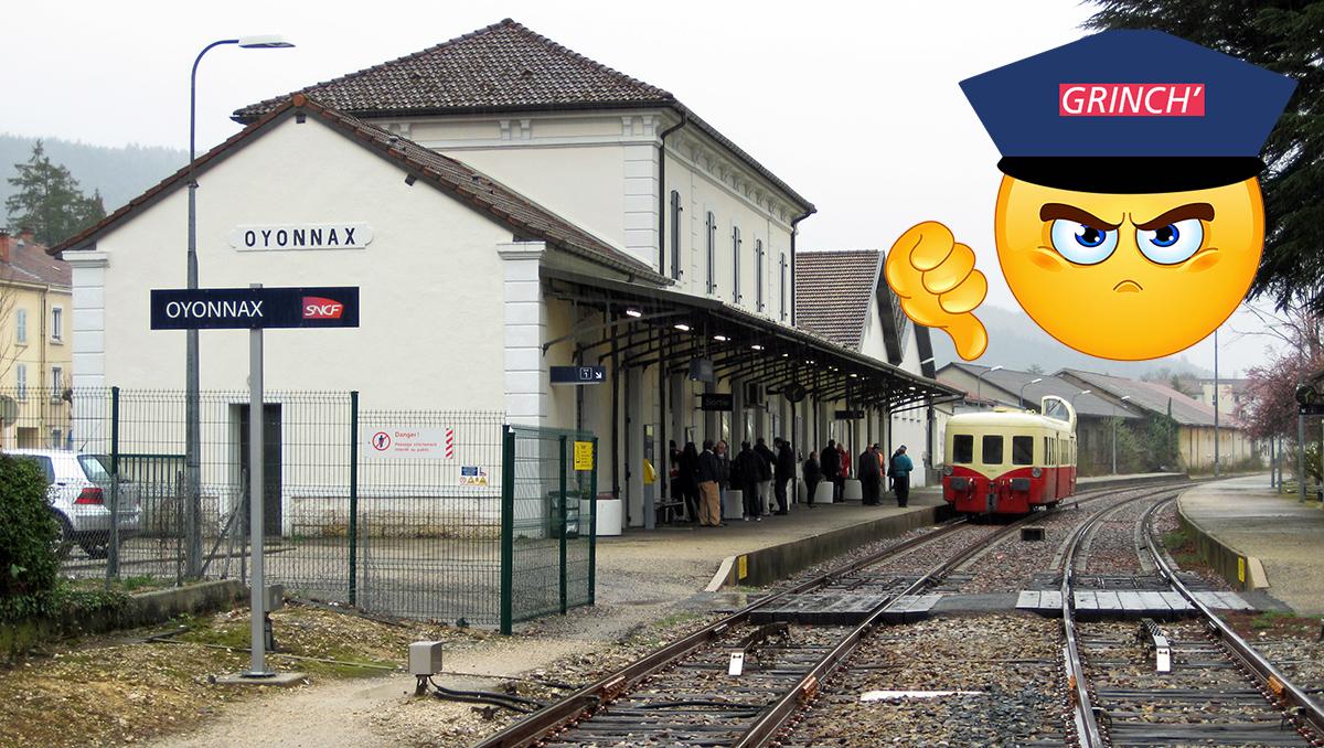 Autorail touristique X 4039 en gare d'Oyonnax